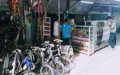 """Ngôi chợ """"hàng hiệu"""" vùng biên giới Việt Nam - Campuchia"""