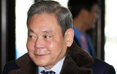 Con trai vừa được ra tù, Chủ tịch Samsung Lee Kun Hee lại bị cảnh sát chỉ đích danh nghi trốn thuế