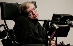 22 sự thật thú vị về cuộc đời của Stephen Hawking - Là học sinh trung bình, gia đình trí thức nhưng khá... lập dị