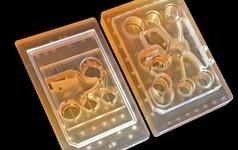 MIT chế tạo ra nội tạng nhân tạo, có thể tháo lắp gọn vào bảng mạch như linh kiện điện tử