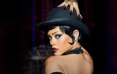 """Ca sĩ Rihanna lên tiếng chỉ trích Snapchat cổ xuý nạn bạo hành trong gia đình, 600 triệu USD giá trị vốn hoá của Snap lập tức """"bốc hơi"""""""