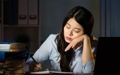 Hàn Quốc tắt máy tính toàn bộ nhân viên vào 8h tối để chống lại việc làm thêm giờ
