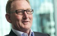 Từ lái xe tải thành Chủ tịch Ngân hàng Trung ương New Zealand