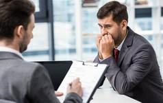 Những cử chỉ tưởng chừng đơn giản nhưng khiến bạn mất điểm trước nhà tuyển dụng