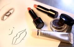 Vì sao CEO Shiseido phải lo lắng khi doanh số tại các cửa hàng vật lý quá cao?