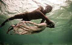 Tiến hóa vẫn đang xảy ra ở bộ tộc miền biển này, giúp họ lặn sâu gần 80m và nhịn thở hơn 3 phút
