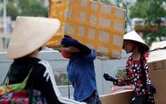 Financial Times: Người tiêu dùng 'thắp lửa' kinh tế Việt