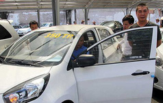 Miễn 2 sắc thuế ô tô: Ai hưởng lợi?