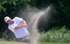 Golfer trẻ gây ấn tượng mạnh, vươn lên chia sẻ ngôi đầu Byron Nelson