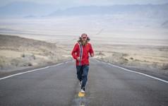 Chạy 24.100 km khắp nước Mỹ để gây quỹ từ thiện, người đàn ông này là minh chứng cho sức mạnh phi thường của con người