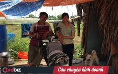 Chuyện hai vợ chồng kỹ sư Bách Khoa bỏ phố về quê dựng lều giữa đồng Hóc-môn trồng rau sạch: Nhọc nhằn con đường ra chợ, 3 năm chưa lãi, nhiều lúc 'nản muốn bỏ cuộc...'