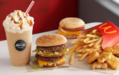 McDonald's loại bỏ ống hút bằng nhựa ở Anh và Ireland