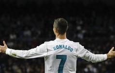 33 tuổi, Christiano Ronaldo có trong tay mọi thứ một người đàn ông luôn mơ ước: Sự nghiệp thăng hoa, khối tài sản hàng trăm triệu USD và một hậu phương vững chắc