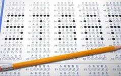 Máy chấm thi tự động làm cách nào đánh giá được đáp án đúng sai của mỗi thí sinh?