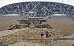 Sân vận động World Cup 2018 tại Nga bị tàn phá nghiêm trọng chỉ sau một cơn mưa