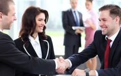 Nhân viên mới đi làm phải làm sao để lấy lòng sếp?