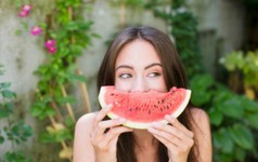 Mùa hè ăn dưa hấu ngon, mát nhưng bạn cần lưu ý những điều này để không ảnh hưởng tới sức khỏe