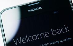 """""""Ông hoàng"""" một thời Nokia làm gì để có thể tái sinh?"""