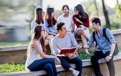 Sinh viên Việt Nam nên học tập và thích ứng như thế nào trong thời đại mà Google biết tất cả mọi thứ?