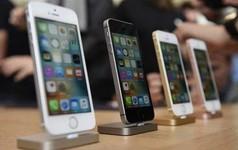 """Giữa lúc Mỹ bắt bí Huawei thì Trung Quốc cấm bán iPhone, chuyên gia nhận định có thể đây là """"chiêu bài chính trị"""""""