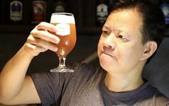"""Chân dung nghệ nhân nấu bia thủ công Việt Nam lên """"Street Life Hanoi"""" của CNN"""