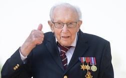 Cựu binh 100 tuổi đi bộ gây quỹ chống COVID-19 trở thành Hiệp sĩ Anh