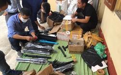 Hàng cấm tung hoành chợ mạng