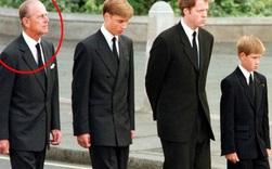Bức ảnh được dân mạng lan truyền rộng rãi cho thấy tình cảm đặc biệt của Hoàng tế Philip với Hoàng tử William và Harry, một cử chỉ nói lên tất cả