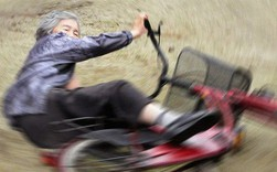 Cụ bà 89 tuổi người Nhật khiến cả thế giới phát sốt với bộ sưu tập ảnh tự chụp cực kỳ hài hước
