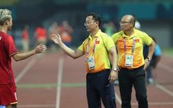 """HLV Park Hang-seo đã có trợ lý ngôn ngữ mới, ông Lê Huy Khoa bị thay thế vì """"nói quá nhiều"""""""