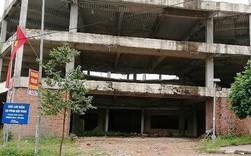 Ngân hàng xây 'lụi' 3 tầng nhà rồi bỏ hoang