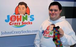 Chàng trai 22 tuổi mắc hội chứng Down và đế chế kinh doanh tất chân triệu USD, được Tổng thống Mỹ mua và dùng trong dịp đặc biệt