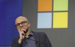 Định làm điện thoại nhưng thất bại, mảng máy tính, phần mềm trầm lắng, cổ phiếu đình trệ suốt 1 thập kỷ, điều gì đưa Microsoft lặng lẽ giành lại ngôi công ty giá trị nhất thế giới sau 15 năm?