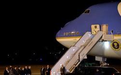 Ông Trump đóng cửa chính phủ, đưa Không lực Một đến đón ông Bush