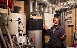 """Khám phá lâu đài """"đồng nát"""" ở Hà Lan: Nơi con người tìm kiếm lối sống bền vững từ đồ tái chế"""