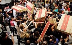 """Ít ai ngờ được """"Black Friday"""" - ngày đại hội giảm giá của mọi thương hiệu lại có một góc khuất đen tối thực sự"""