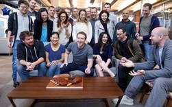 Mặc scandal chồng chất, uy tín công ty giảm thê thảm, nhân viên Facebook vẫn 'một lòng một dạ' với Mark Zuckerberg