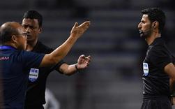 HLV Park Hang-seo giận tím người, nhận thẻ đỏ trong trận chung kết SEA Games 30 sau màn cãi tay đôi cực gắt với trọng tài