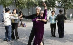 Tencent đầu tư vào ứng dụng dạy 'nhảy đầm', có filter làm đẹp da và đẩy dáng thần thánh cho hàng trăm triệu cụ ông, cụ bà Trung Quốc