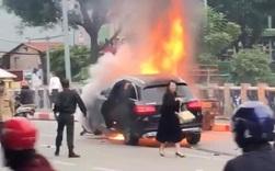 Từ vụ nữ tài xế Mercedes gây tai nạn kinh hoàng khiến 1 người chết: Chị em phụ nữ nói về gót giày tử thần khi lái xe