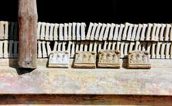 Là nơi duy nhất ở Huế làm tượng ông Táo với lịch sử cả trăm năm, nhưng làng Địa Linh giờ đây chỉ còn 5 hộ còn đỏ lửa