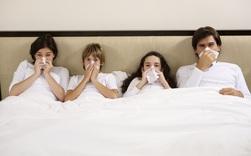 """Có nên """"trốn"""" trong nhà để phòng ngừa dịch COVID-19?"""