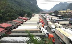 Các cửa khẩu lại tồn ứ gần 780 xe nông sản, trái cây