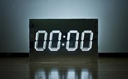 Đời người cũng giống như chiếc đồng hồ, chỉ khi điểm 00:00 mới có thể bắt đầu một chu kì mới: Sống, bạn phải biết về 0 đúng lúc