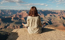 Thiền định dễ khiến mọi người bỏ cuộc nhưng bạn hoàn toàn có thể duy trì lâu dài nếu ghi nhớ 7 lưu ý này