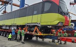 Cận cảnh đoàn tàu đầu tiên tuyến metro Nhổn-ga Hà Nội về tới cảng Hải Phòng
