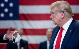 """Tổng thống Trump mắc Covid-19 là """"điều ngạc nhiên tháng 10"""" của mùa bầu cử 2020?"""