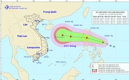 Áp thấp nhiệt đới sắp vào Biển Đông, bác tin siêu bão cấp 17 đổ bộ vào miền Trung