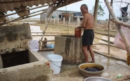 12 ngày không điện, không nước và không cơm của xóm nghèo bị cô lập hoàn toàn trong lũ