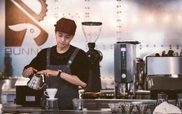 Ngô Kiến Huy nói về quán cà phê tiền tỷ của mình: Giá bán 55-65k/ly cà phê, xác định thu lời ít, 2-3 năm mới hồi vốn